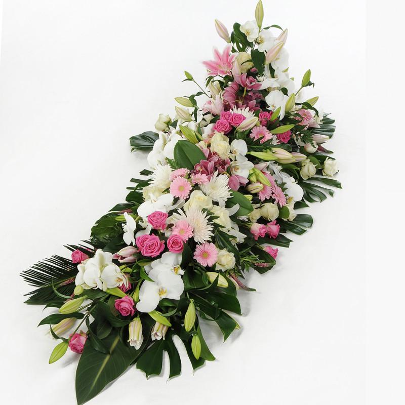 Dessus de cercueil fleuri