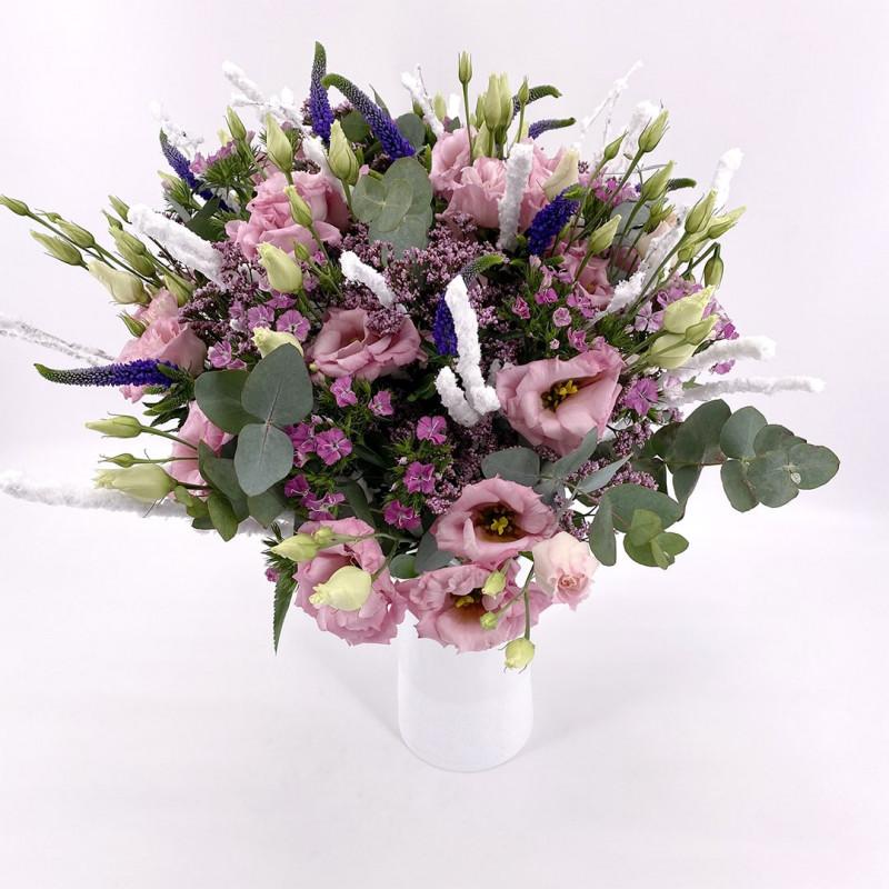 Bouquet de saison avec oeillets et lysianthus