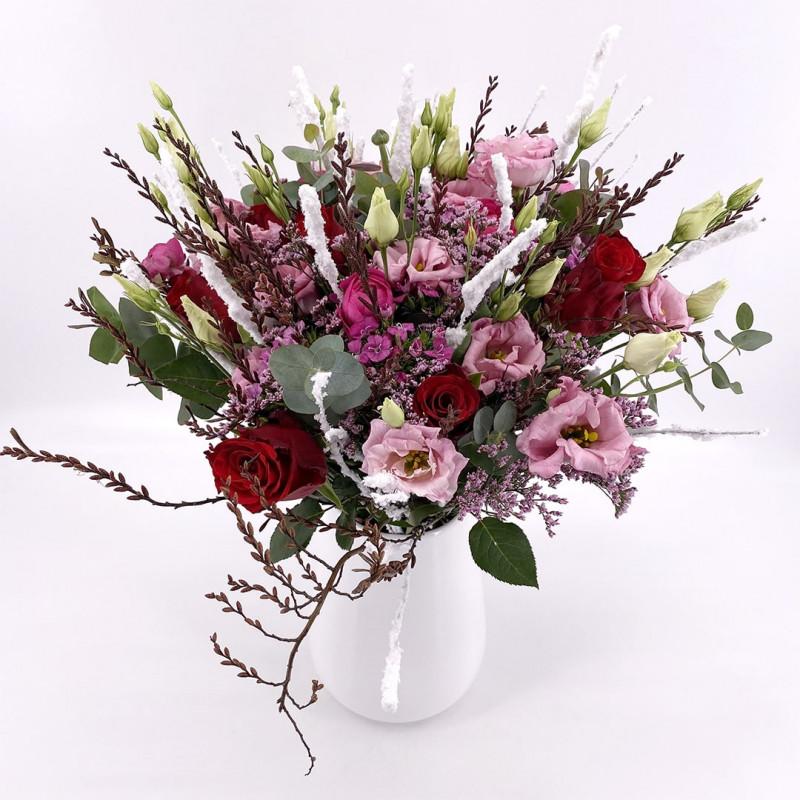 Bouquet de saison avec roses et eucalyptus