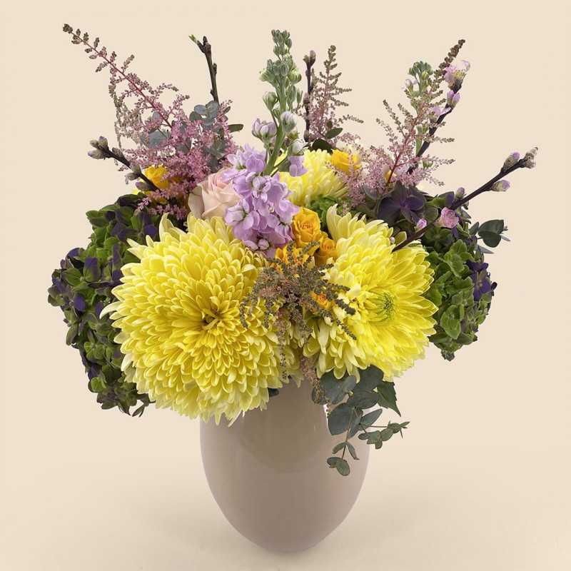 Bouquet de fleurs-printemps avec hortensia, anastasia, eucalyptus
