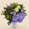 Bouquet de fleurs-printemps avec hortensia, roses, lysianthus