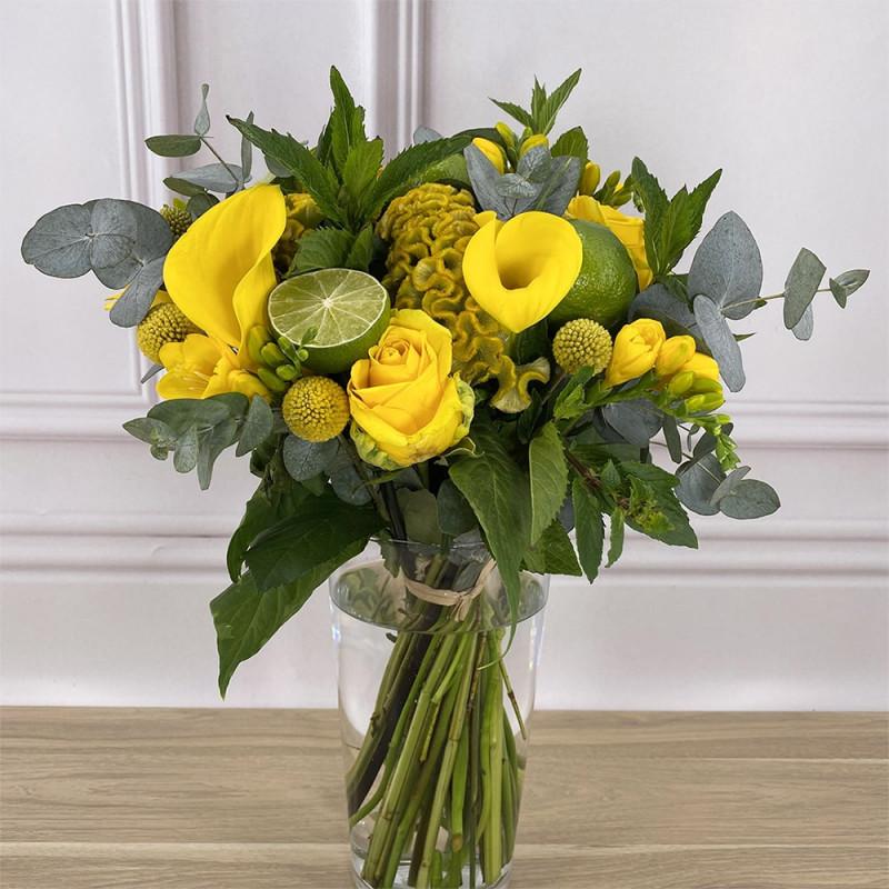 Bouquet de saison avec callas, celosies et roses.
